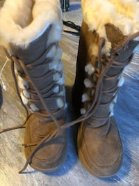 Child size 1 BearPaw boots