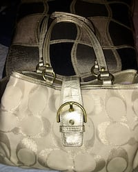 Coach purse with two separate areas and pockets  Concord, 03301