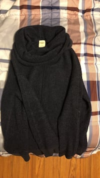 Abercrombie Sweater  1407 km