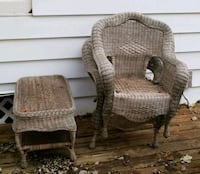 Wicker table and 2 chairs Racine, 53405