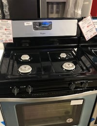 New Scratch & Dent Stainless Gas Stove Whirlpool  Farmingdale