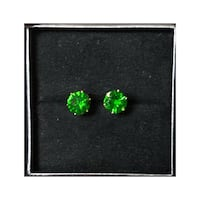 New Stainless Steel Emerald Color Stud Earrings Dallas, 75226