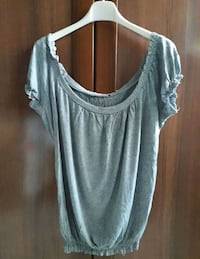 camicia scoop-neck grigia da donna Province of Caserta