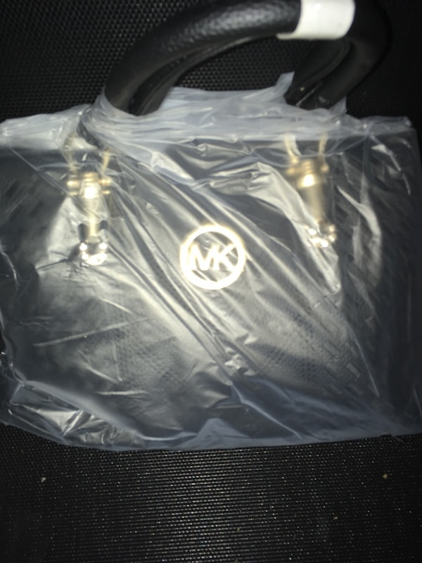 ad6ba935e7787d Used 2 Michael Kors bags (black or red) for sale in San Jose - letgo