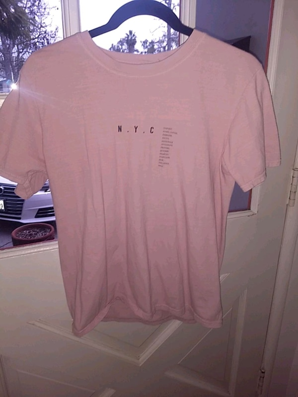 Used Urban Outfitters NYC tee for sale in Los Angeles - letgo 06139b8bacd