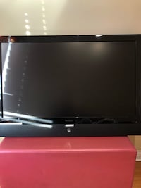 42 INCH FLAT SCREEN TV GOOD CONDITION!! Hampstead, H3X 4A4