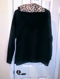 black and white scoop neck long sleeve shirt Los Angeles, 91343