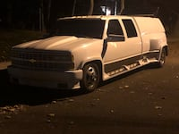 Chevrolet - Dually 3500 4 door - 1992 Paramus, 07652