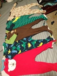 11 pcs Baby Boy Pajamas Size 18 Months. Take all for $25 dls