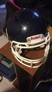 black and white Riddell baseball helmet Courtice, L1E 2A2