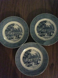 round white and blue ceramic plate Coos Bay, 97420