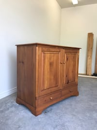 Country pine tv cabinet Lakefield, K0L 2H0