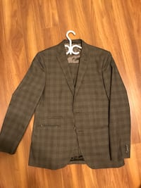 Haggar Suit Jacket and Pants Thorold, L2V 4X1