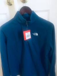 North Face Pullover NWT's Size XL Gainesville, 20155