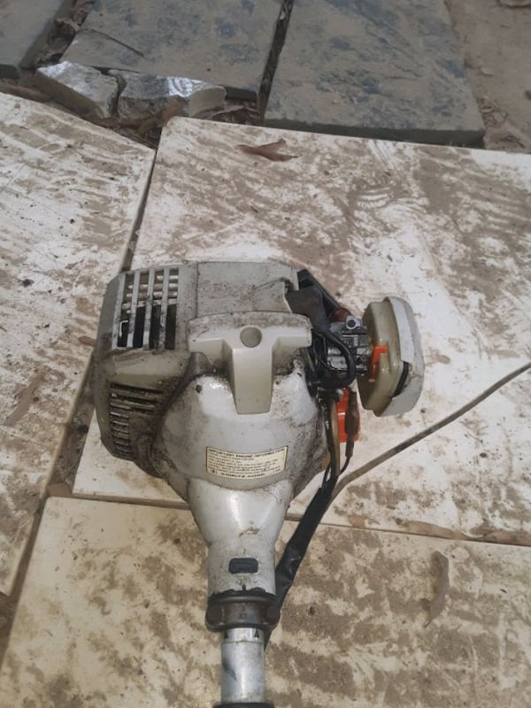 weed eater 1d1fddc7-8ce8-4fa7-9877-071216429634