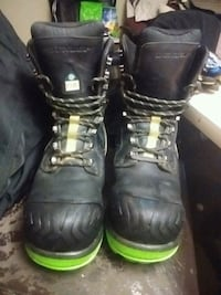 DUNLOP T-MAX steelltoes size 12 Vancouver, V5Y 3V5