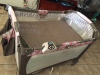 baby's gray and white travel cot Bakersfield, 93301
