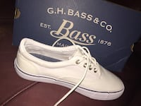Size 5M white BASS canvas shoes