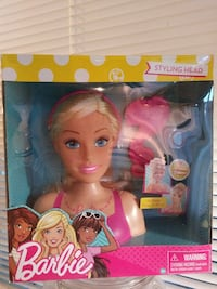 Barbie Styling Head with box