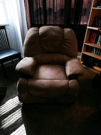 Ashley microfiber rocker recliner mint condition Ottawa, K1K 4W3