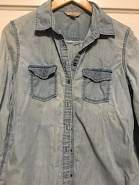 Banana Republic Denim Shirt Vancouver, V5V 2H6