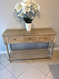 Beautiful Hobby Lobby Entry Table Like New  Kissimmee, 34758