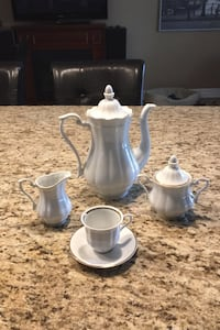 Espresso set with 11 cups and saucers , sugar bowl, milk and carafe.   Mississauga, L5N 2G2