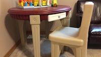 Step 2 toddlers table and chairs Everett, 98208