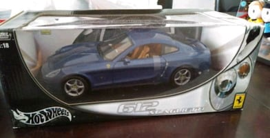 HOT WHEELS 1/18 FERRARI 612 SCAGLIETTI DIECAST CAR