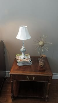 Gordon's fine furniture side table  Lincoln, L0R