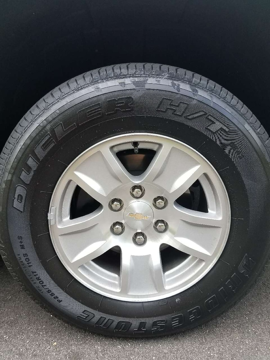 used brand new chevy truck wheels and tires 17 inch in cumming. Black Bedroom Furniture Sets. Home Design Ideas