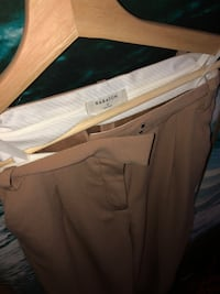 *Brand New* Babaton Dress Pants Vancouver, V5V 1G1