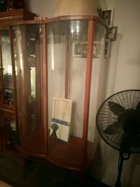 Very heavy and sturdy curio with glass shelves. Detroit, 48216