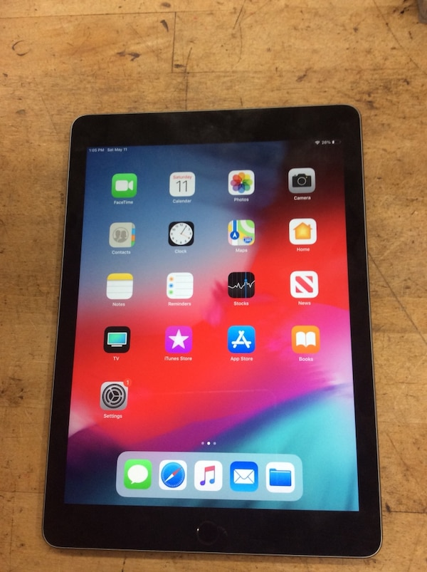 Apple iPad Pro 32gb MLPW2LL/A pre owned . Good condition. Factory reset was done .