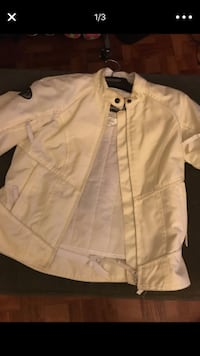 White zip-up jacket Woodbridge, 22193