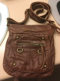 Crossbody brown leather bag Surrey, V4N 0Y7