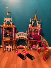 TOY DOLL CASTLE PLAY SET