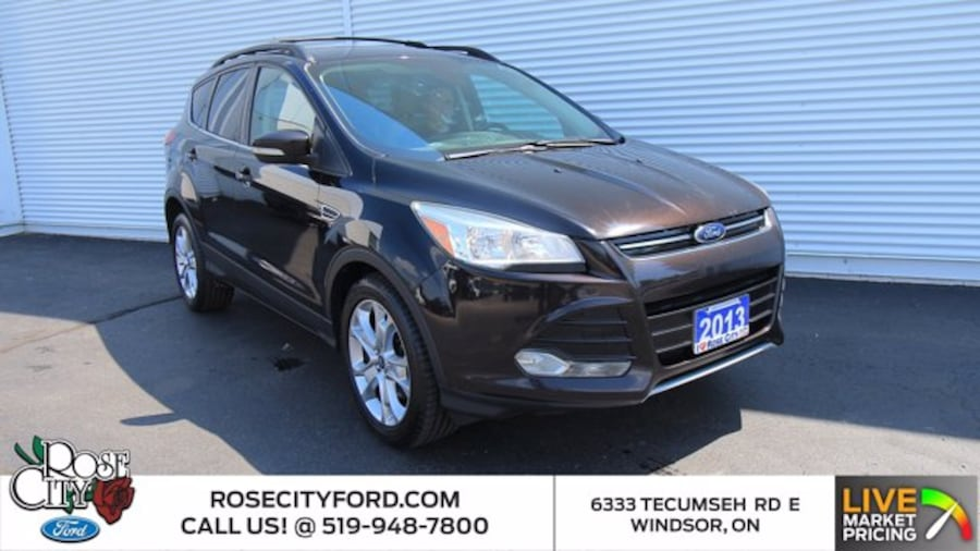 2013 Ford Escape SEL / ONE OWNER / ACCIDENT FREE / NAVIGATION / SIR 0cb4f1d9-332b-4179-858a-57a5ccb294c3