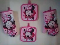 Minnie Mouse oven mittens Los Angeles, 90001
