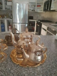 gold finish decorative n serving tea set  Oakville, L6M 3R8