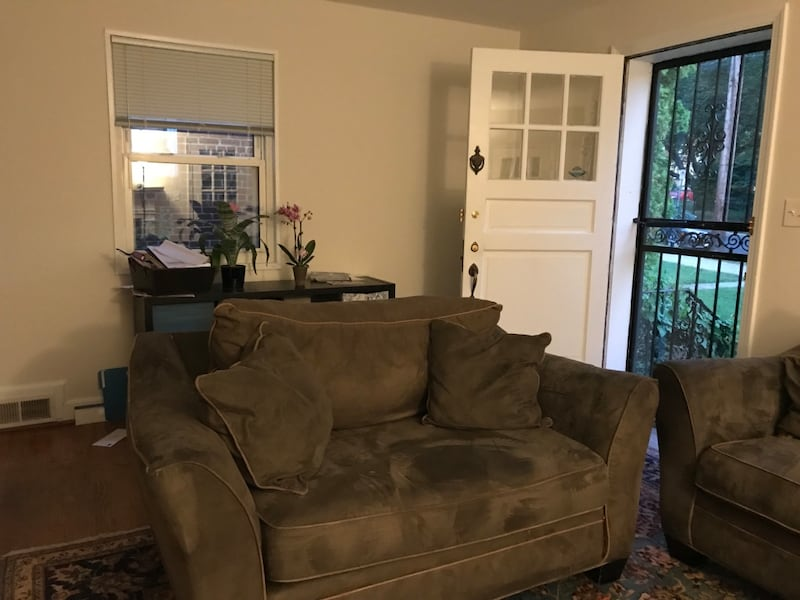 Olive Love Seat Price $70 OBO 5d2e593c-9335-4cd8-93ce-aaaf52509102