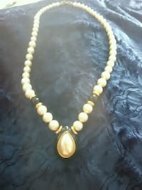 gold-colored beaded necklace Roanoke, 24014