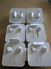 Apple headphones with toggle each