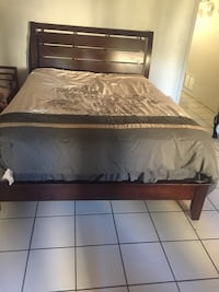 Queen bed with dresser and mirror 918 mi