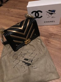 Chanel small boy handbag purse  San Francisco, 94103