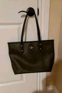 women's black leather tote bag Ottawa, K1T 4B6