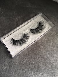 Pair of black false eyelashes Winnipeg, R2C 1M9