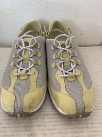 Timberland Women's Shoes 8.5 M w Adjustable Herl Strap Yellow Leather