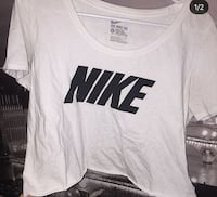 Nike cropped top  Calgary, T3M 1L4
