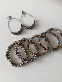 Earrings and 5 pieces beaded  stretchy bracelet Keswick, L4P 3P2